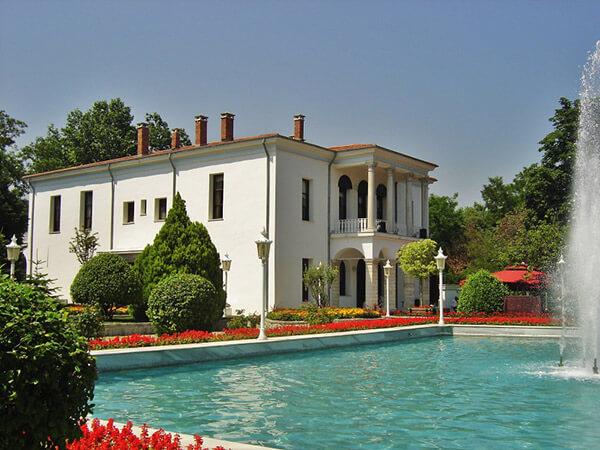 عمارت سفید پارک امیرگان استانبول